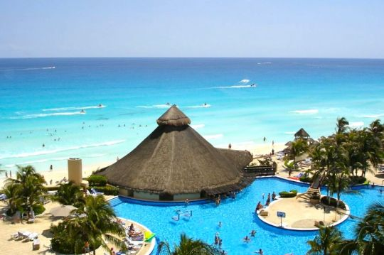 Cancun Mexico Oceanfront Luxury Resort