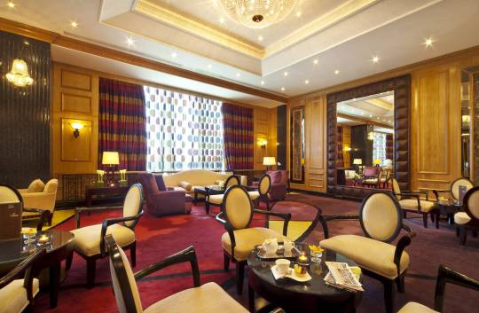 Palace Lounge in Gulf Hotel restaurant Bahrain